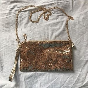 ❌GIVEN❌ FREE WITH PURCHASE Gold sequins purse